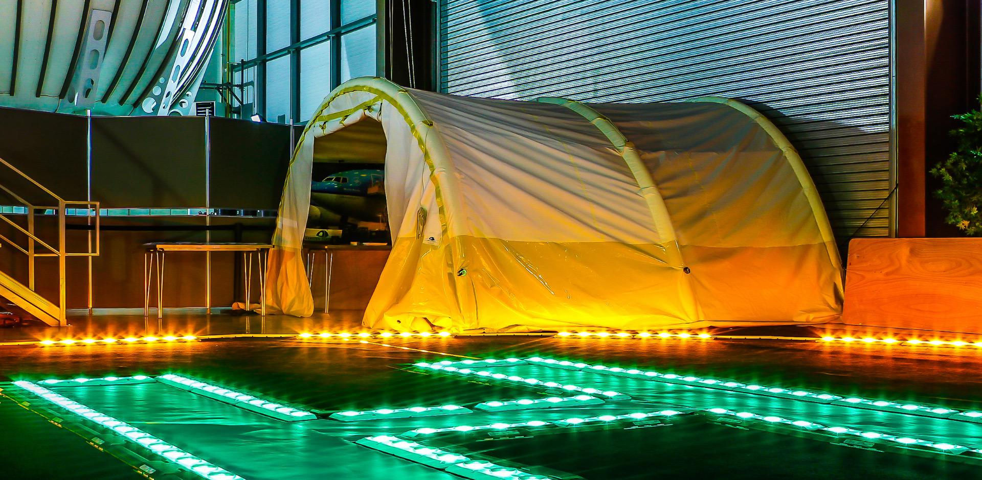 Karsten Tunnel Worktent sur heliport